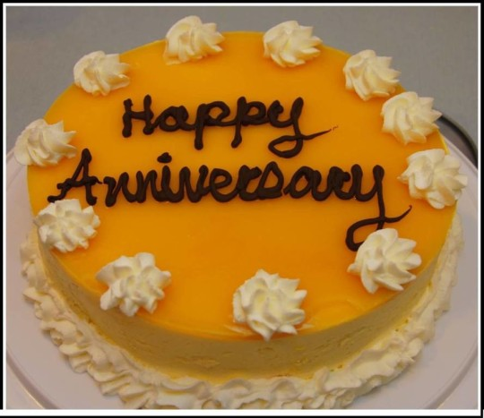 Sweet Cake Anniversary Wishes For Uncle Graphic