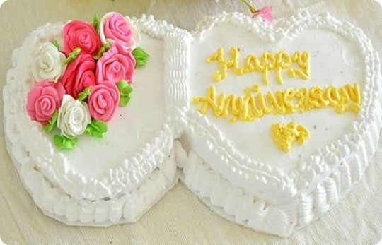 Sweet Delicious Cake Anniversary Wishes For Sister