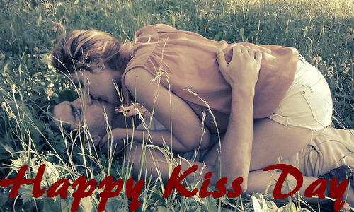 Outstanding Kiss Day Photos